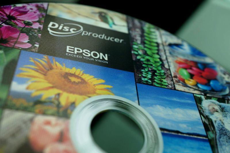エンボス加工 光沢DVD-Rメディア 2